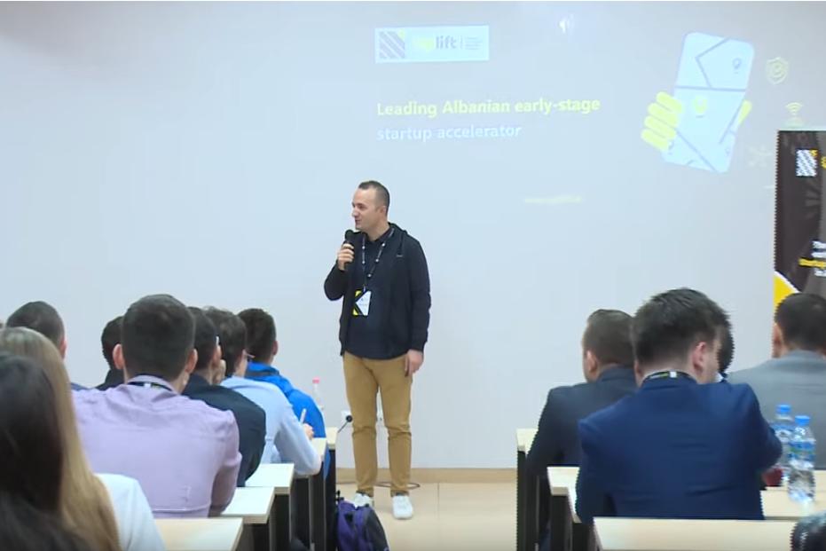 """Screenshot_2019-11-11 """"Selection Bootcamp"""", aktiviteti inovativ në Universitetitn """"Luarasi"""" nga Uplift Albania - YouTube(1)"""