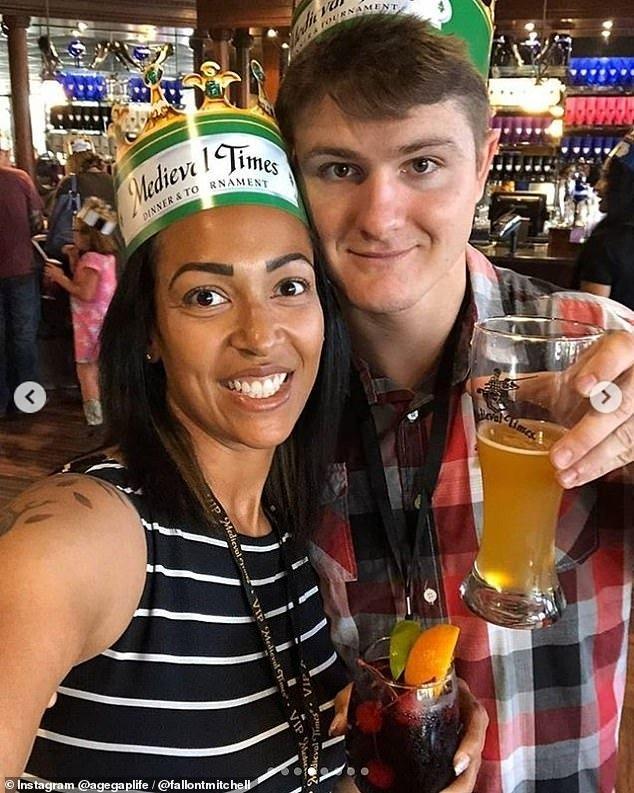 Fallon-Mitchell-37-vjeçe-dhe-partneri-i-saj-Red-26-vjeç