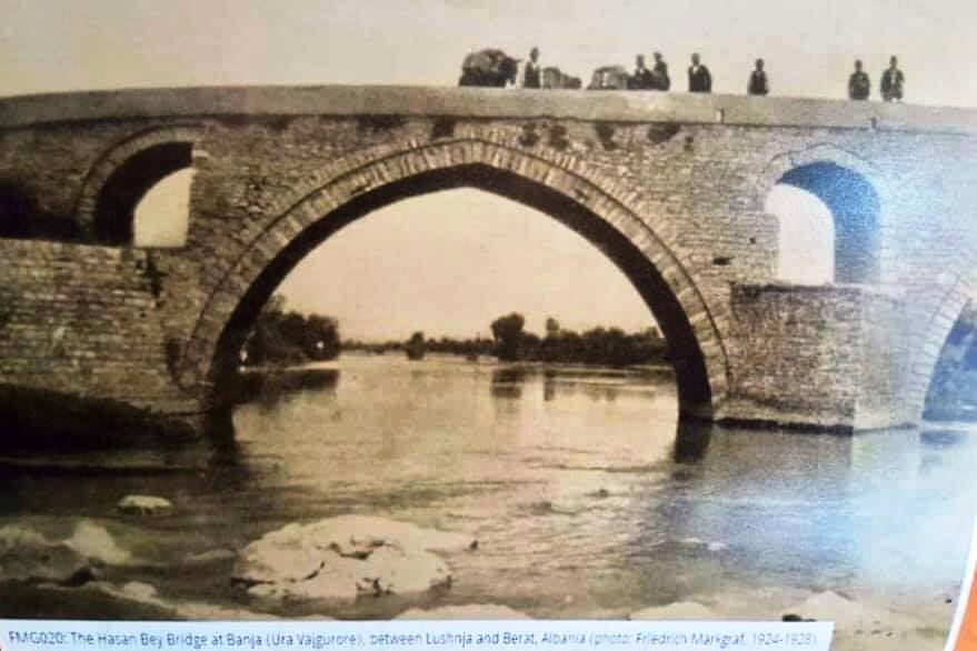 Ura Vajgurore foto e vitit 1924