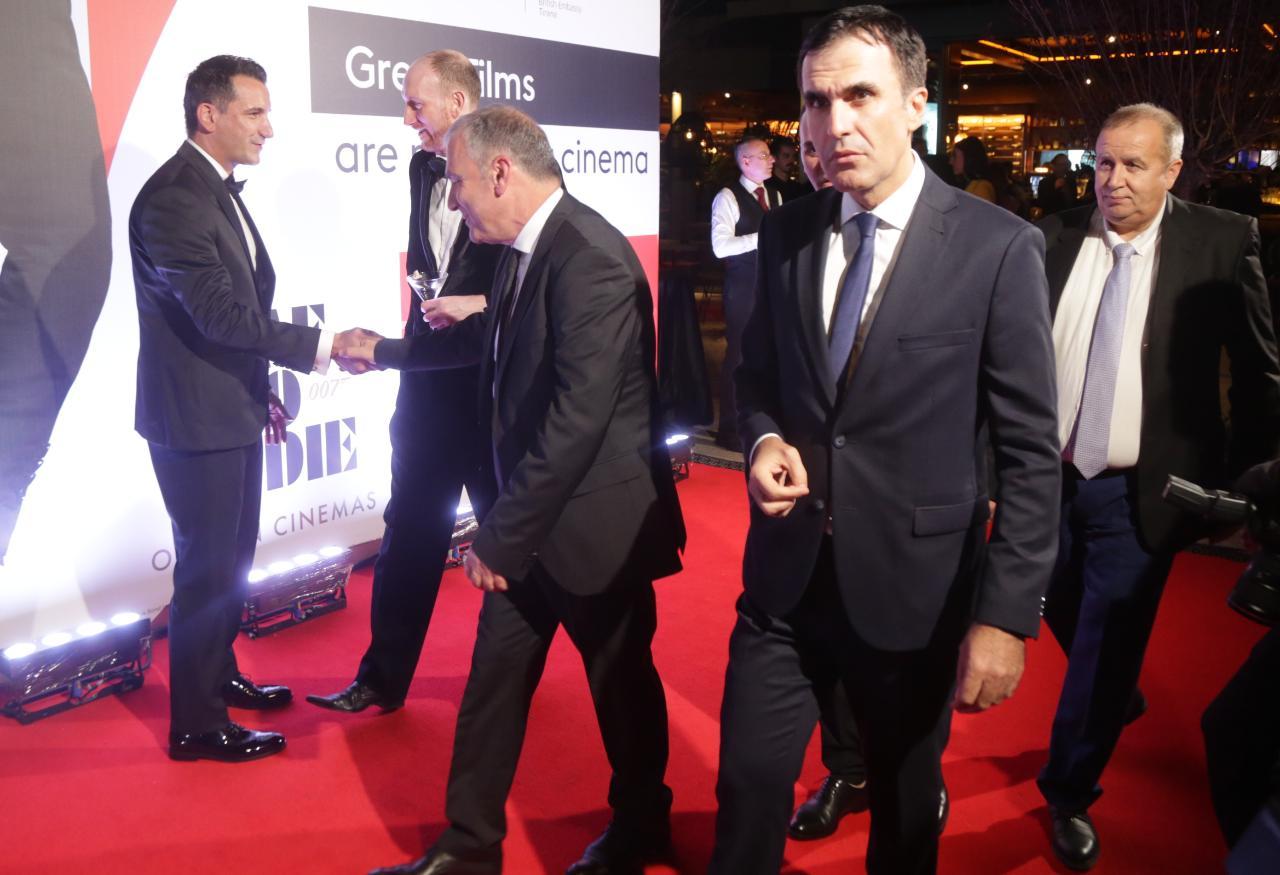Premiera-James-Bond-59 - Copy