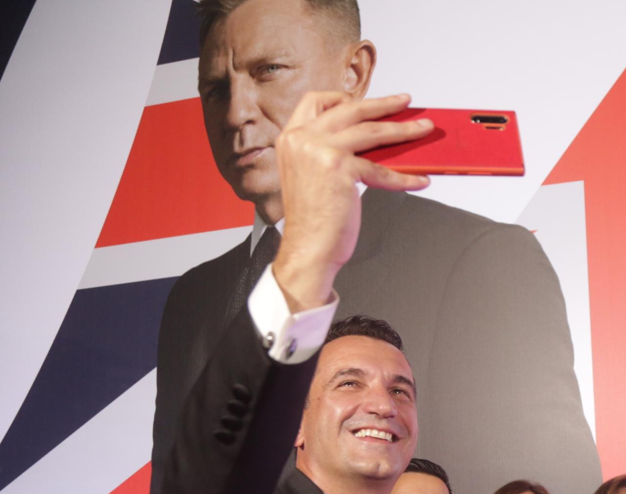 Premiera-James-Bond-60 - Copy